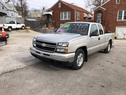 2006 Chevrolet Silverado 1500 for sale at Kneezle Auto Sales in Saint Louis MO