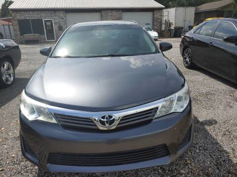 2014 Toyota Camry for sale at VAUGHN'S USED CARS in Guin AL