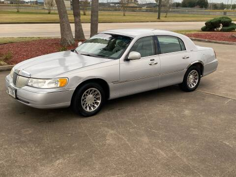 2002 Lincoln Town Car for sale at M A Affordable Motors in Baytown TX