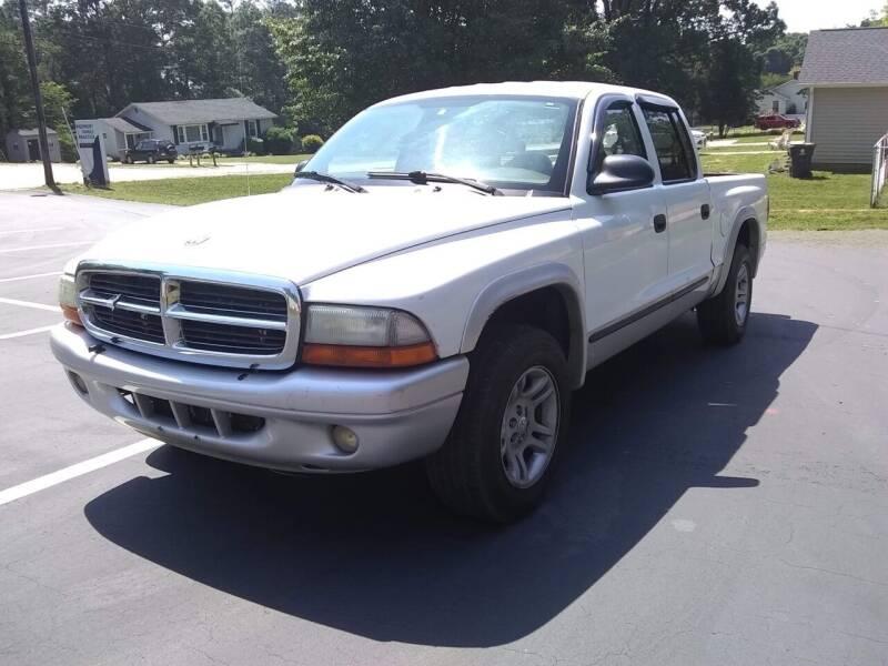 2004 Dodge Dakota for sale at Happy Days Auto Sales in Piedmont SC