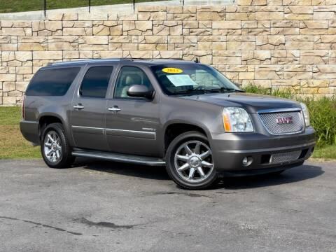 2013 GMC Yukon XL for sale at Car Hunters LLC in Mount Juliet TN