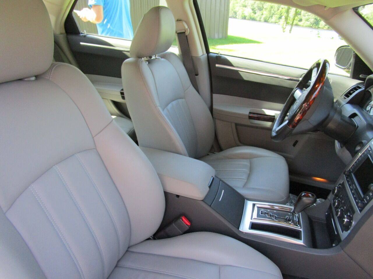 2006 Chrysler 300 73