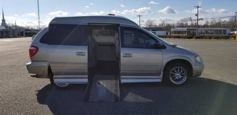 2007 Chrysler Town and Country for sale at BT Mobility LLC in Wrightstown NJ