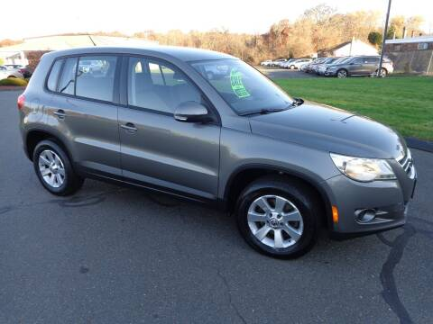 2010 Volkswagen Tiguan for sale at BETTER BUYS AUTO INC in East Windsor CT