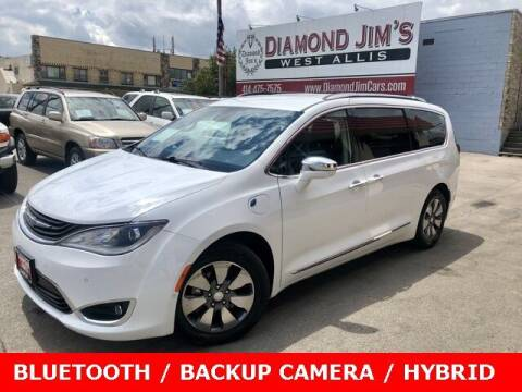 2018 Chrysler Pacifica Hybrid for sale at Diamond Jim's West Allis in West Allis WI