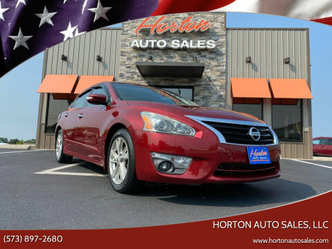 2013 Nissan Altima for sale at HORTON AUTO SALES, LLC in Linn MO