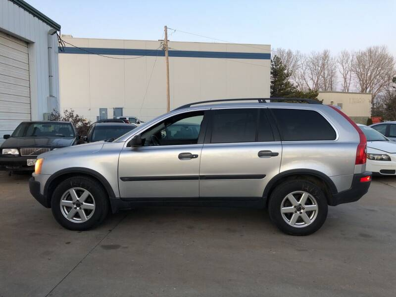 2004 Volvo XC90 for sale at UNIVERSITY FOREIGN CAR LLC in Bridgeton MO