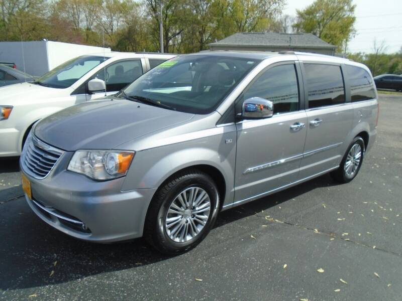 2014 Chrysler Town and Country for sale at River City Auto Sales in Cottage Hills IL