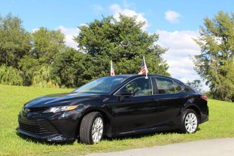 2018 Toyota Camry for sale at CHASE MOTOR in Miami FL