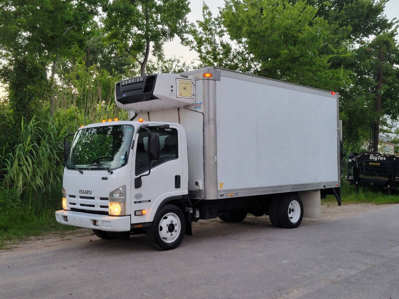 2009 Isuzu NQR for sale at AC MOTORCARS LLC in Houston TX
