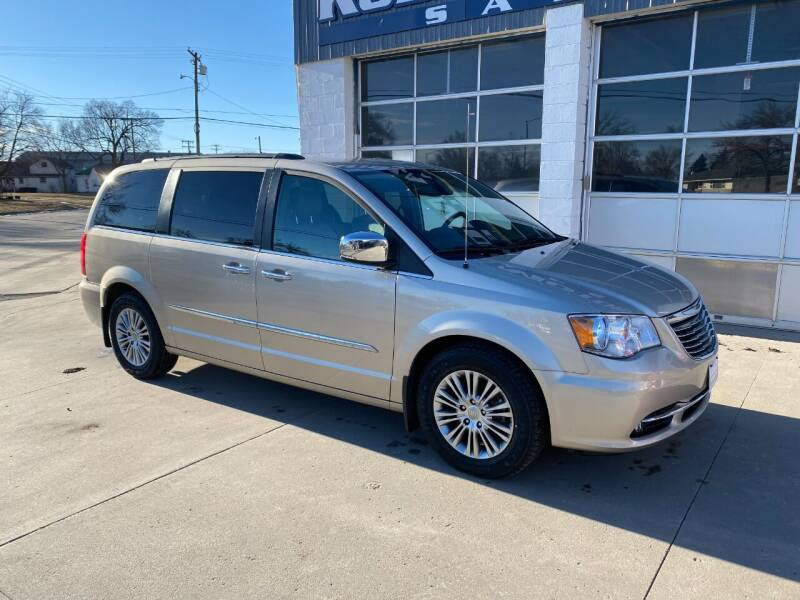 2013 Chrysler Town and Country for sale at Kobza Motors Inc. in David City NE