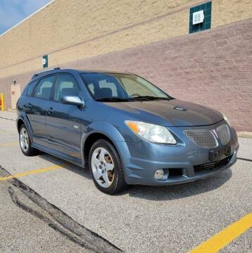 2007 Pontiac Vibe for sale at NeoClassics in Willoughby OH