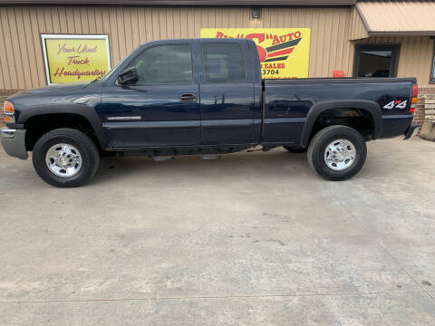 2006 GMC Sierra 2500HD for sale at BIG 'S' AUTO & TRACTOR SALES in Blanchard OK