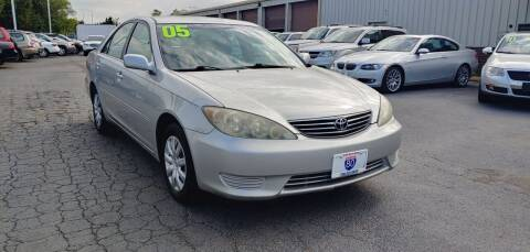 2005 Toyota Camry for sale at I-80 Auto Sales in Hazel Crest IL