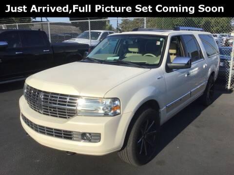 2007 Lincoln Navigator L for sale at Royal Moore Custom Finance in Hillsboro OR