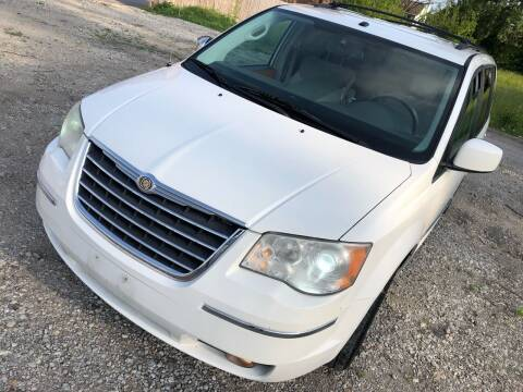 2008 Chrysler Town and Country for sale at Supreme Auto Gallery LLC in Kansas City MO