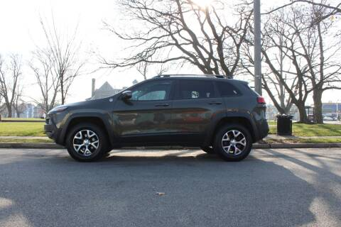2014 Jeep Cherokee for sale at Lexington Auto Club in Clifton NJ