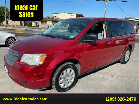 2010 Chrysler Town and Country for sale at Ideal Car Sales in Los Banos CA