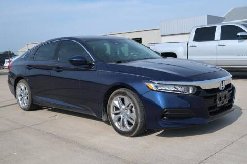2018 Honda Accord for sale at Lipscomb Auto Center in Bowie TX