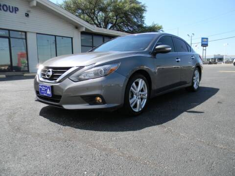 2016 Nissan Altima for sale at MARK HOLCOMB  GROUP PRE-OWNED in Waco TX