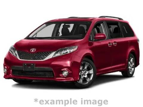 2017 Toyota Sienna for sale at Coast to Coast Imports in Fishers IN
