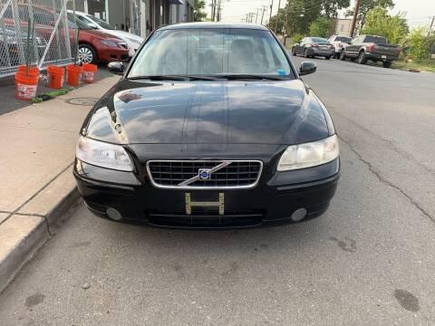 2005 Volvo S60 for sale at SUNSHINE AUTO SALES LLC in Paterson NJ