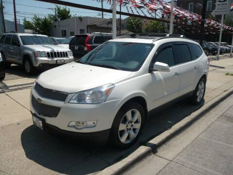 2011 Chevrolet Traverse for sale at CAR CENTER INC in Chicago IL