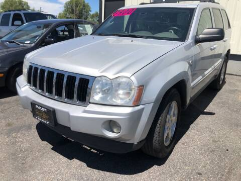 2005 Jeep Grand Cherokee for sale at BELOW BOOK AUTO SALES in Idaho Falls ID