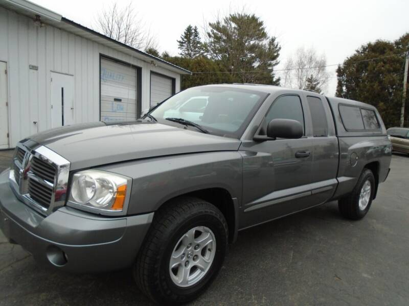 2005 Dodge Dakota for sale at NORTHLAND AUTO SALES in Dale WI