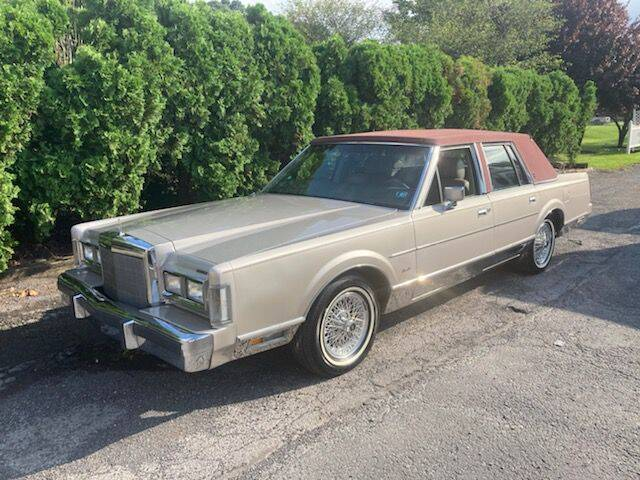 1988 Lincoln Town Car for sale at VICTORY AUTO in Lewistown PA