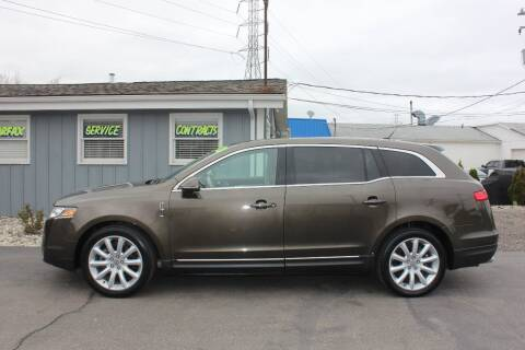 2011 Lincoln MKT for sale at D & B Auto Sales LLC in Washington Township MI