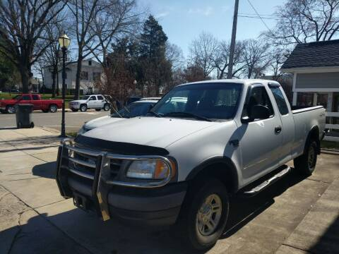 2001 Ford F-150 for sale at ROBINSON AUTO BROKERS in Dallas NC