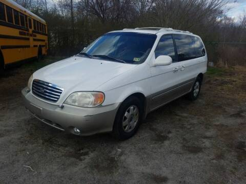 2003 Kia Sedona for sale at Complete Auto Credit in Moyock NC