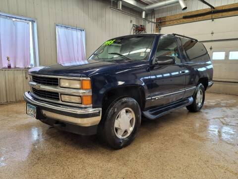 1996 Chevrolet Tahoe for sale at Sand's Auto Sales in Cambridge MN
