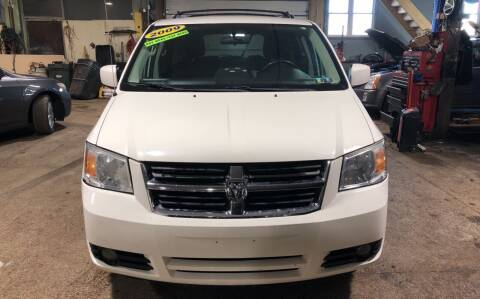 2009 Dodge Grand Caravan for sale at Six Brothers Auto Sales in Youngstown OH