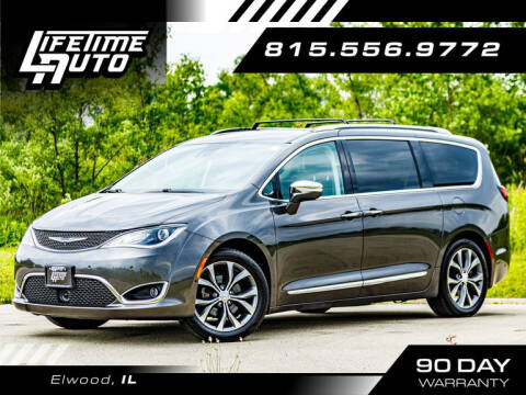 2017 Chrysler Pacifica for sale at Lifetime Auto in Elwood IL