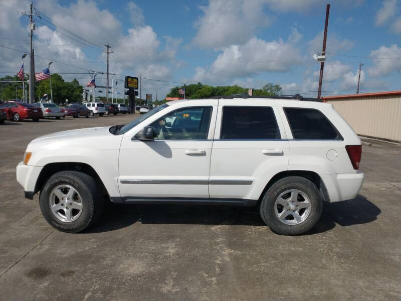 2006 Jeep Grand Cherokee for sale at BIG 7 USED CARS INC in League City TX