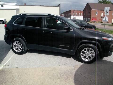 2016 Jeep Cherokee for sale at Kingdom Auto Centers in Litchfield IL
