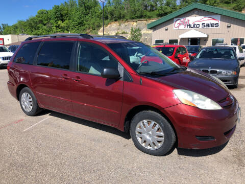 2006 Toyota Sienna for sale at Gilly's Auto Sales in Rochester MN