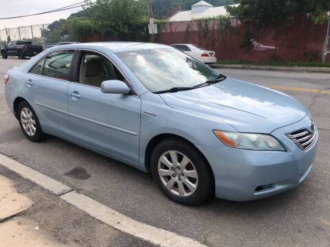 2009 Toyota Camry Hybrid for sale at Deleon Mich Auto Sales in Yonkers NY