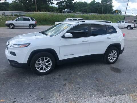 2017 Jeep Cherokee for sale at COUNTRYSIDE AUTO SALES in Russellville KY