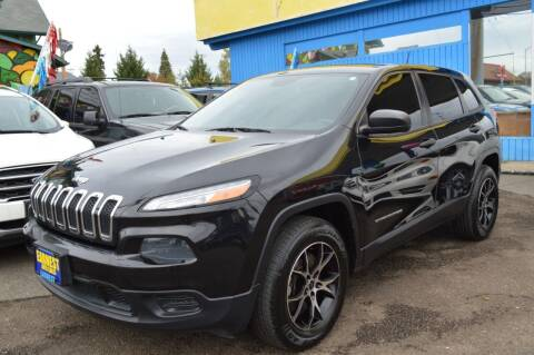 2014 Jeep Cherokee for sale at Earnest Auto Sales in Roseburg OR