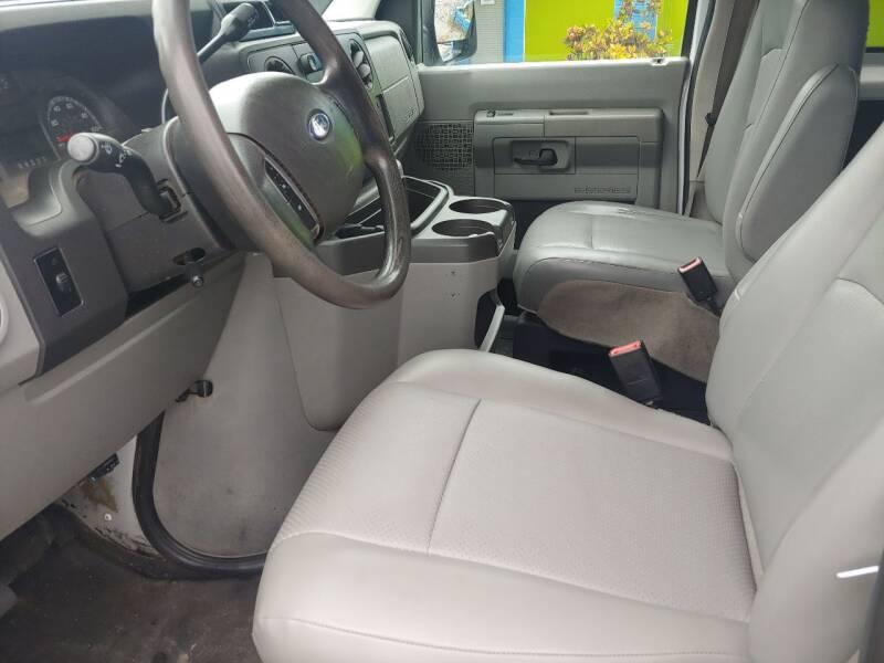 2011 Ford E-Series Wagon E-350 SD XL 3dr Extended Passenger Van - Largo FL
