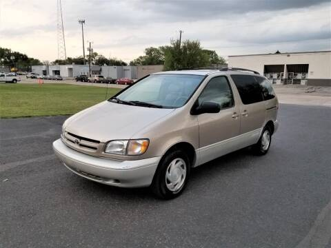 2000 Toyota Sienna for sale at Image Auto Sales in Dallas TX