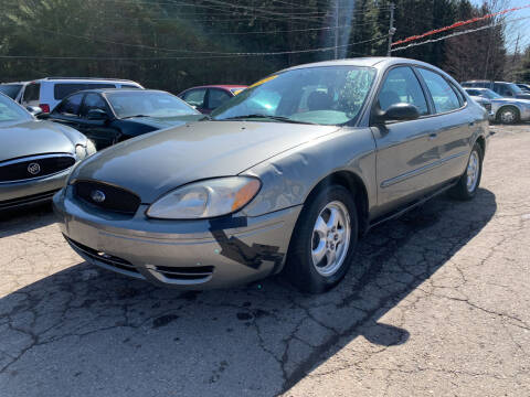 2004 Ford Taurus for sale at CARS R US in Caro MI