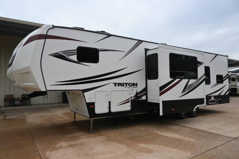 2017 Voltage Triton 3451 for sale at Thurston Auto and RV Sales in Clermont FL