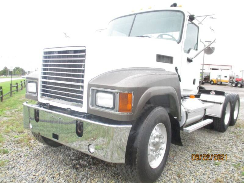 2007 Mack CHN613 for sale at ROAD READY SALES INC in Richmond IN