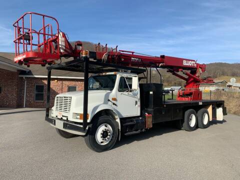 2002 International 4900 for sale at Henderson Truck & Equipment Inc. in Harman WV