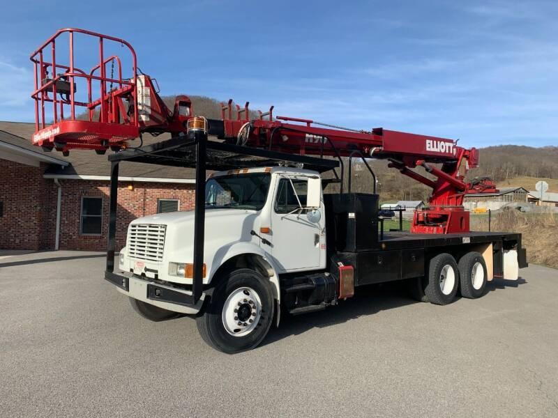 2002 International 4900 for sale at Henderson Truck & Equipment Inc. in Harman WV