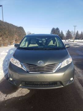 2013 Toyota Sienna for sale at ONG Auto in Farmington MN